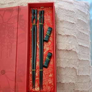 Yunhong Good Luck Chopsticks Set